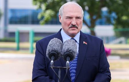 По словам Лукашенко, протестующими управляли из Польши, Великобритании и Чехии