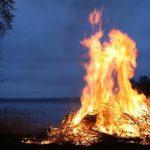 Ночь древних огней: спасатели назвали рецепт идеального костра