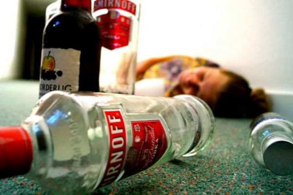 Cнизилась смертность жителей Латвии от отравления алкоголем и насилия