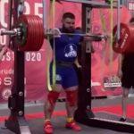 Российский тяжелоатлет Александр Седых сломал колени при приседании с 400-килограммовой штангой