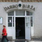 Ситуация на рынке труда Литвы лучше, чем во многих странах Европы, заявил министр