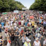 Власти Берлина запретили демонстрацию против COVID-ограничений