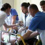 Кто будет нас лечить? Всего за год число врачей в Латвии сократилось на 3,6%