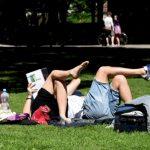 Синоптики: уже в пятницу погода в Латвии начнет улучшаться