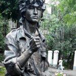 Акция в память о Викторе Цое проходит в Алма-Ате