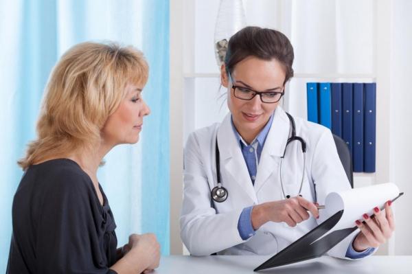 К врачу - с переводчиком: можно ли в больницах Латвии говорить по-русски