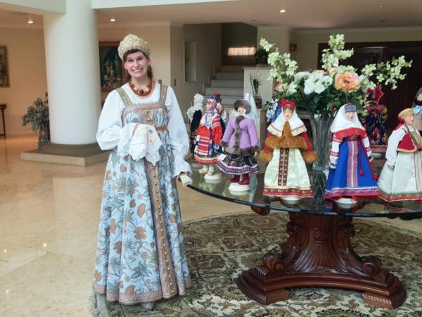 Соотечественницам в Гватемале рассказали о русском женском костюме