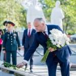 Президент Молдавии открыл памятник советским воинам, восстановленный при участии РФ
