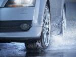 3 «засады» на трассе, куда во время дождя попадают даже опытные водители