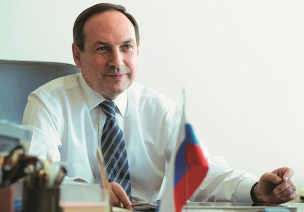 Вячеслав Никонов поздравил россиян с Днём знаний
