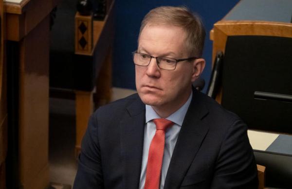 Михкельсон возмущен планами по сокращению расходов на оборону