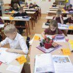 Министерство свяжется со всеми школами Эстонии: в чем причина