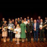 Герои нашего времени: 112 смелых людей получили знаки отличия