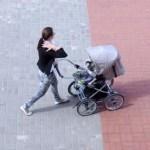 Объявлено, насколько в Латвии увеличат пособия на детей