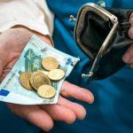 К минимальной пенсии в Латвии добавят 56 евро