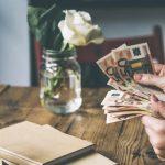 Деньги за просто так: введут ли в Латвии базовый доход?