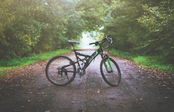 На шоссе Таллинн – Нарва грузовик сбил велосипедиста
