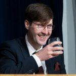 Вотум недоверия провалился: Мартин Хельме останется министром