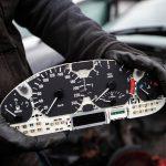 Как узнать, что у приглянувшегося подержанного авто — скрученный пробег