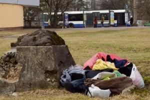 «Тонем в иностранных тряпках»: как Латвия стала британской свалкой