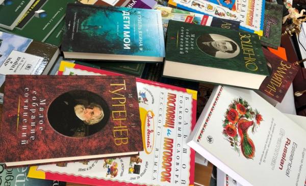 В регионы отправили более 57 тысяч книг в рамках акции «Марафон добра для сельских библиотек»