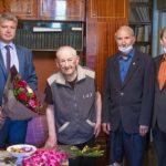 Российские дипломаты и соотечественники в Киргизии поздравили ветерана И.Н. Голикова со 100-летним юбилеем
