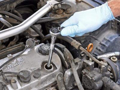 3 фатальных ошибки при замене свечей зажигания, которые совершают даже опытные автовладельцы