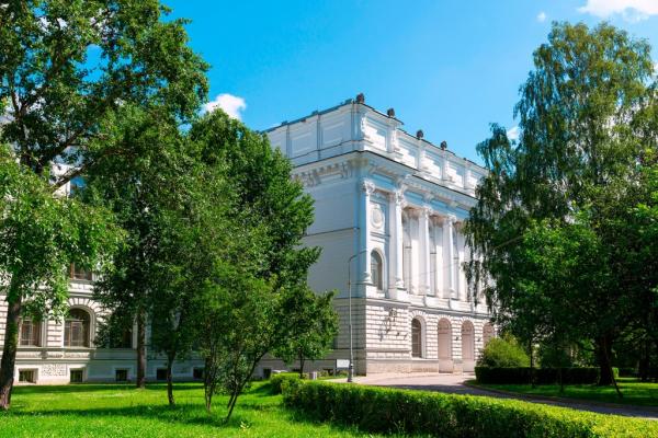 Вузы Петербурга и Кадиса проведут в ноябре российско-испанскую неделю языка и культуры