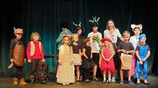 Лучшим спектаклем фестиваля в Дении стала постановка о Русском исходе
