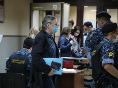 Адвокаты Ефремова рассчитывают смягчить приговор, предложив 2,4 млн. рублей семье водителя, погибшего в ДТП