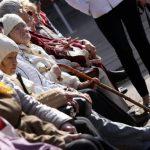 Власти назвали доход, ниже которого в Латвии начинается бедность
