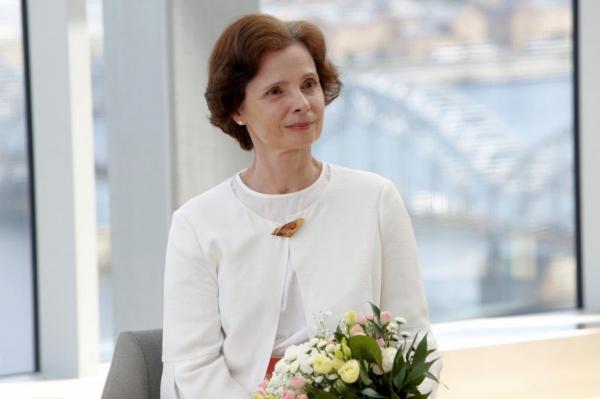 Первая леди бьет тревогу: многие в Латвии не хотят вакцинироватья