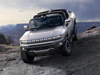Пацаны не поймут: первое знакомство с новейшим внедорожником Hummer 2020