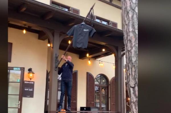 Траурные ленточки: как рестораны реагируют на ЧС в Латвии (ВИДЕО)