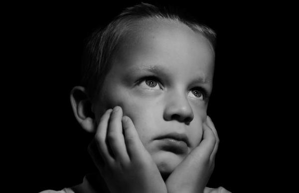 Психолог: ребенок становиться хулиганом от нехватки внимания