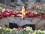 Вечный огонь в латвийском Даугавпилсе горит благодаря неравнодушным горожанам