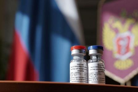 Венгрия получила вакцину «Спутник V» первой в Европе
