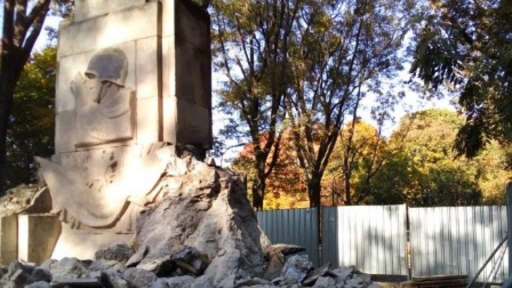 Демонтированные памятники советским солдатам предложили нанести на электронную карту