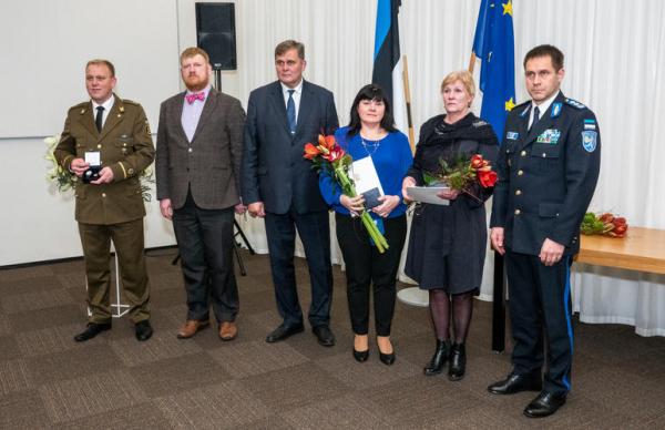ФОТО и ВИДЕО: народные герои получили награды за мужество