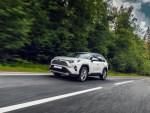Октябрьские продажи Toyota RAV4 «порвали» российский рынок кроссоверов