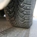 Почему далеко не все зимние шины уберегут от аварии осенью