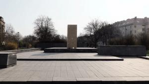 В Праге снесли пьедестал демонтированного памятника маршалу Коневу