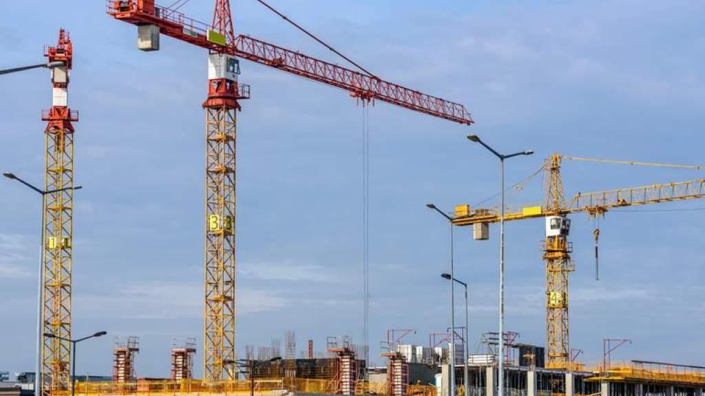 В третьем квартале строилось меньше новых зданий