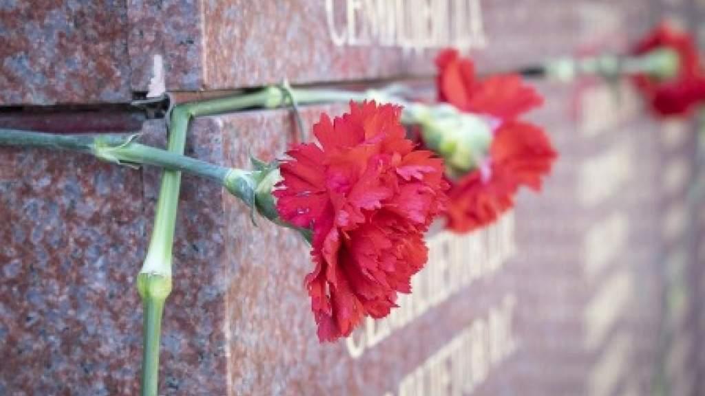 Вандалы напали на братскую могилу советских солдат в Литве