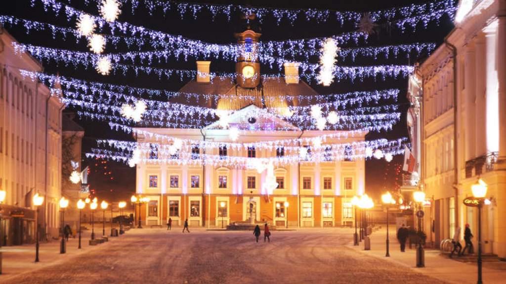 Зажгутся огни на рождественской ели на Ратушной площади Тарту