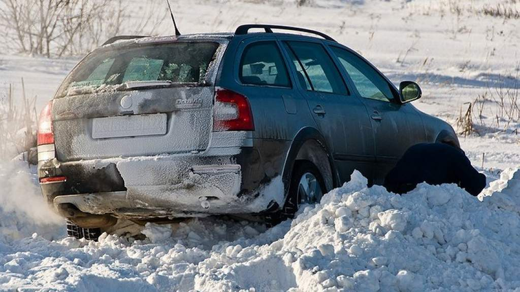 3 способа выбраться из снега, если мешает система ESP