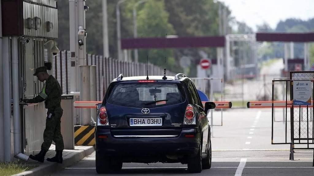 Белоруссия закрывает выезд через наземные границы из-за коронавируса