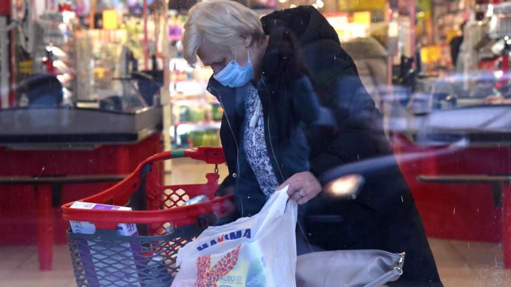 «Это шокирует!»На грани: латвийцев преследуют страх и голод из-за ограничений