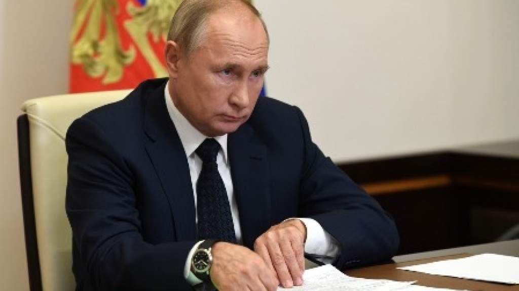 Путин призвал жестче реагировать на притеснение прав отечественных журналистов в других странах