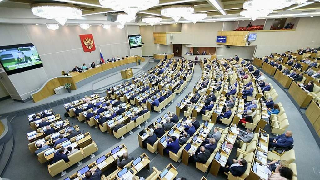 Госдума одобрила законопроект об ответных санкциях за цензуру против российских СМИ